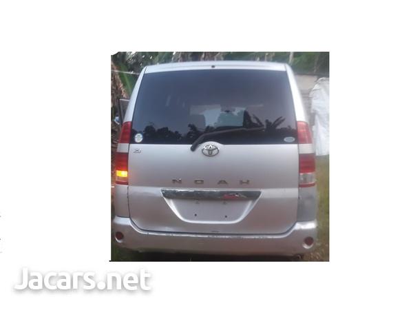 Toyota Noah 1,8L 2007-1