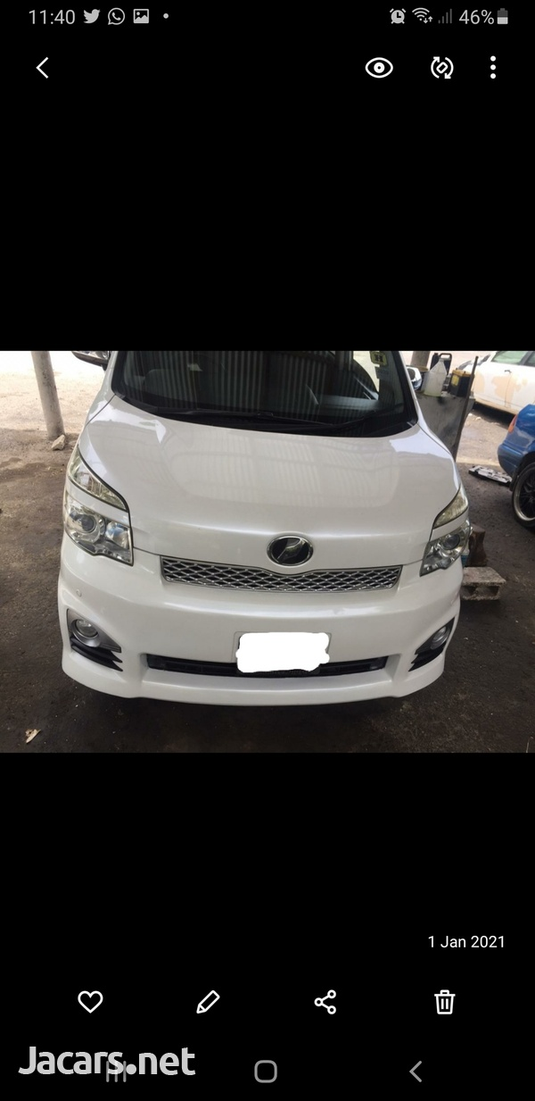 Toyota voxy very clean ...mint condition-3