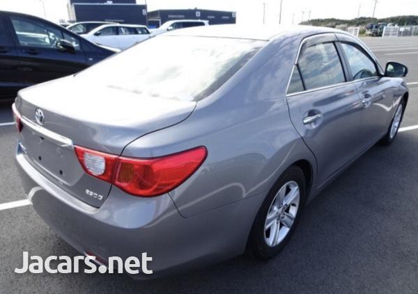 Toyota Mark X 2,0L 2012-3