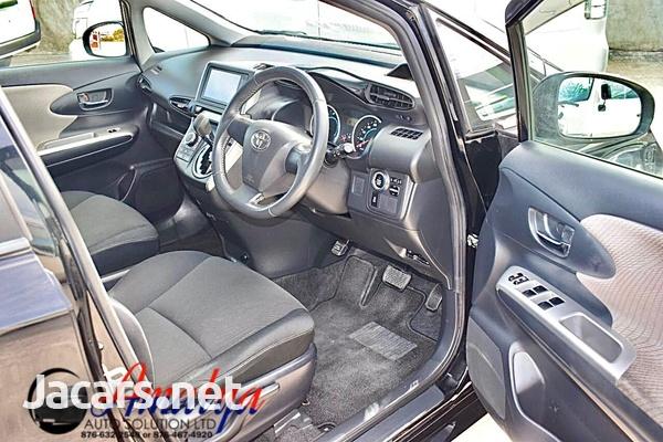 Toyota Wish 1,8L 2011-7