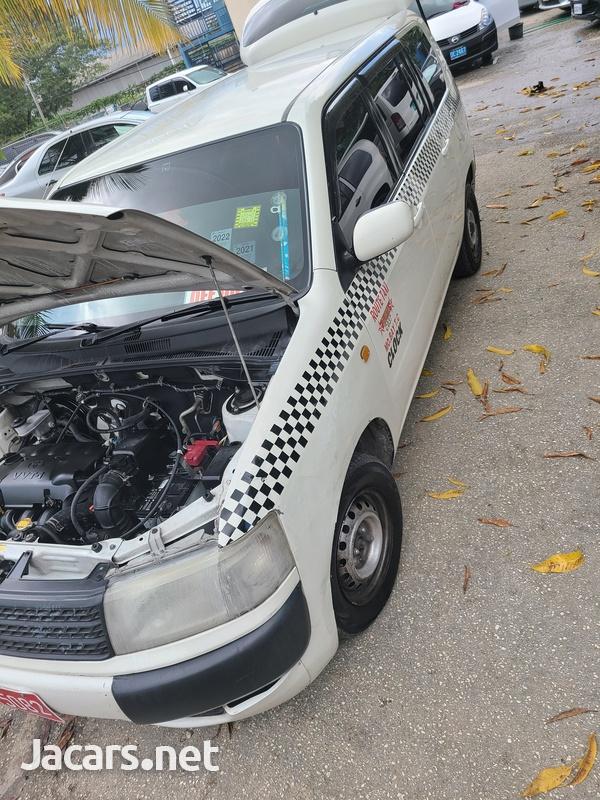 Toyota Probox 1,5L 2010-6