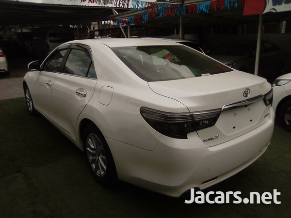 Toyota Mark X 2,5L 2017-7