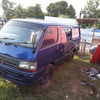 2001 Toyota Hiace Bus