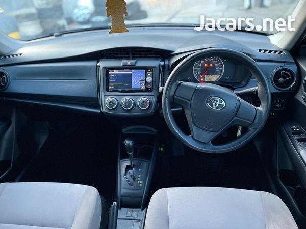 Toyota Axio 1,5L 2016-10