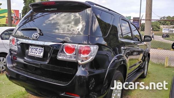 Toyota Fortuner 2,7L 2014-3