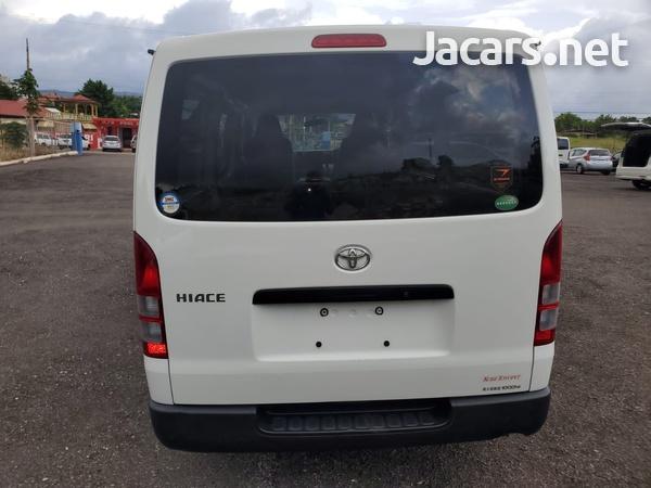 Toyota Hiace 3,0L 2016-5