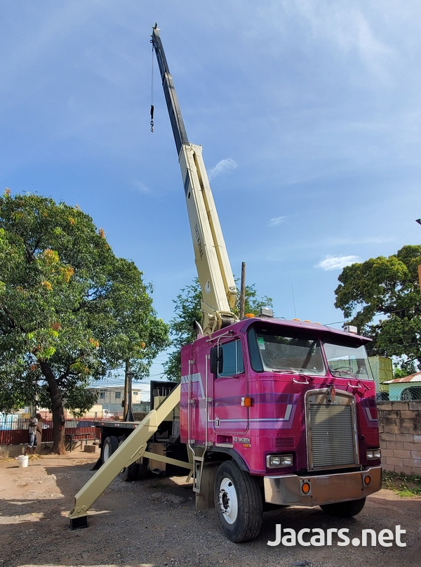 2000 Kenworth Boom Truck National Crane-6