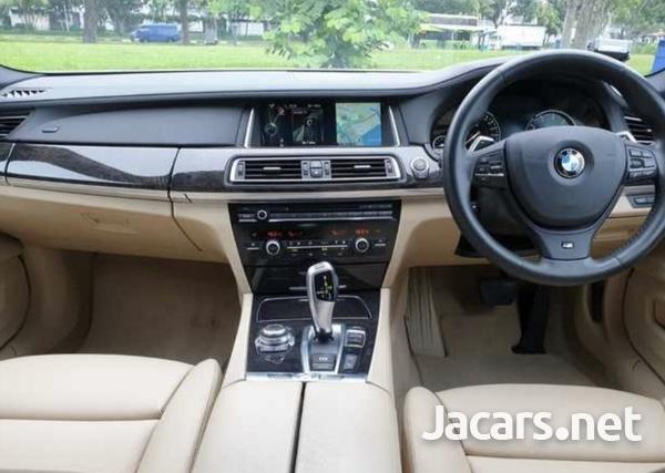 BMW 7-Series 3,0L 2013-4