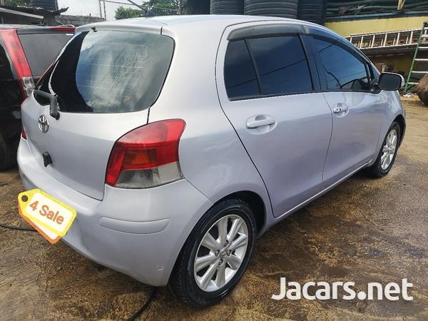 Toyota Vitz 1,5L 2010-8