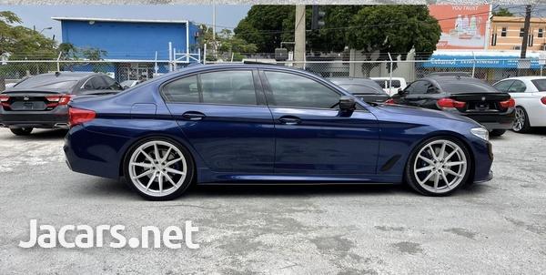BMW 5-Series 3,0L 2019-4