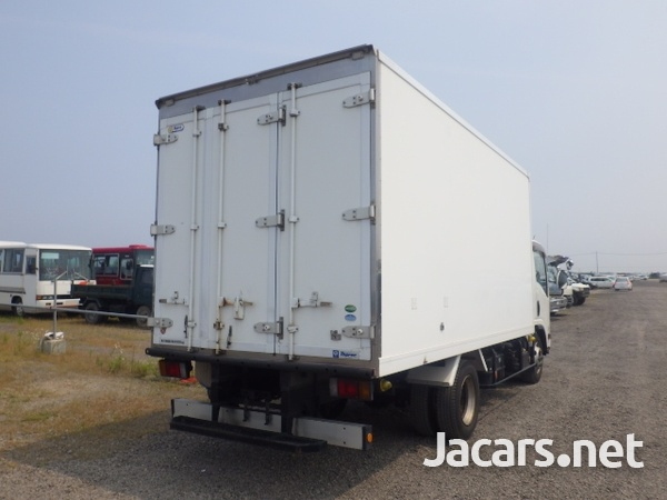 Isuzu Elf Freezer Truck 2013-6
