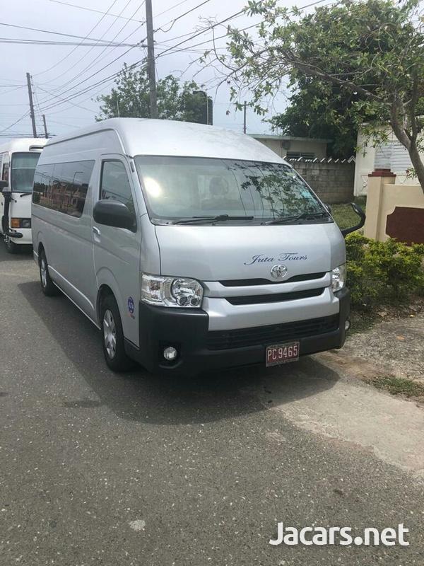 2016 Toyota Hiace Bus-6