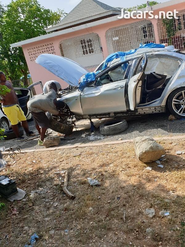 BMW 328i f30 2015 rhd scrapping-1