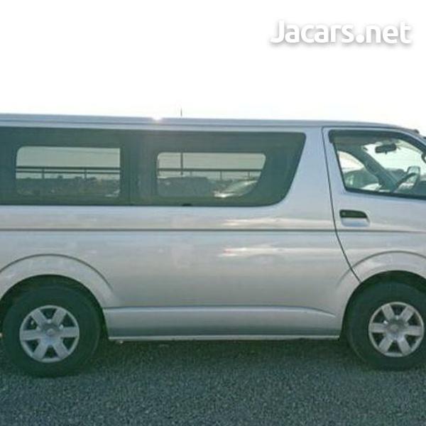 Toyota Hiace Bus 2,0L 2013-4