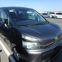 Toyota Voxy 1,8L 2012