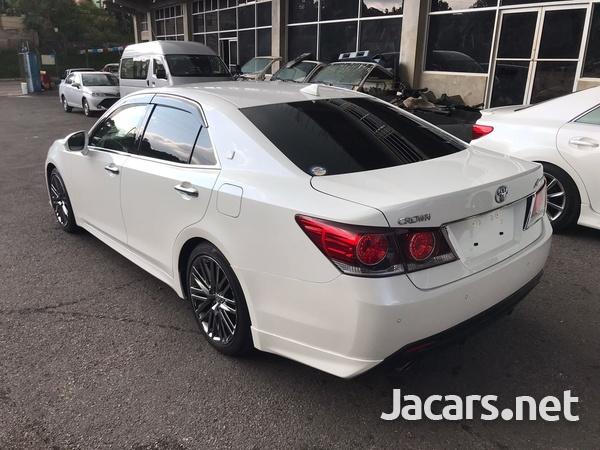Toyota Crown 3,5L 2016-8