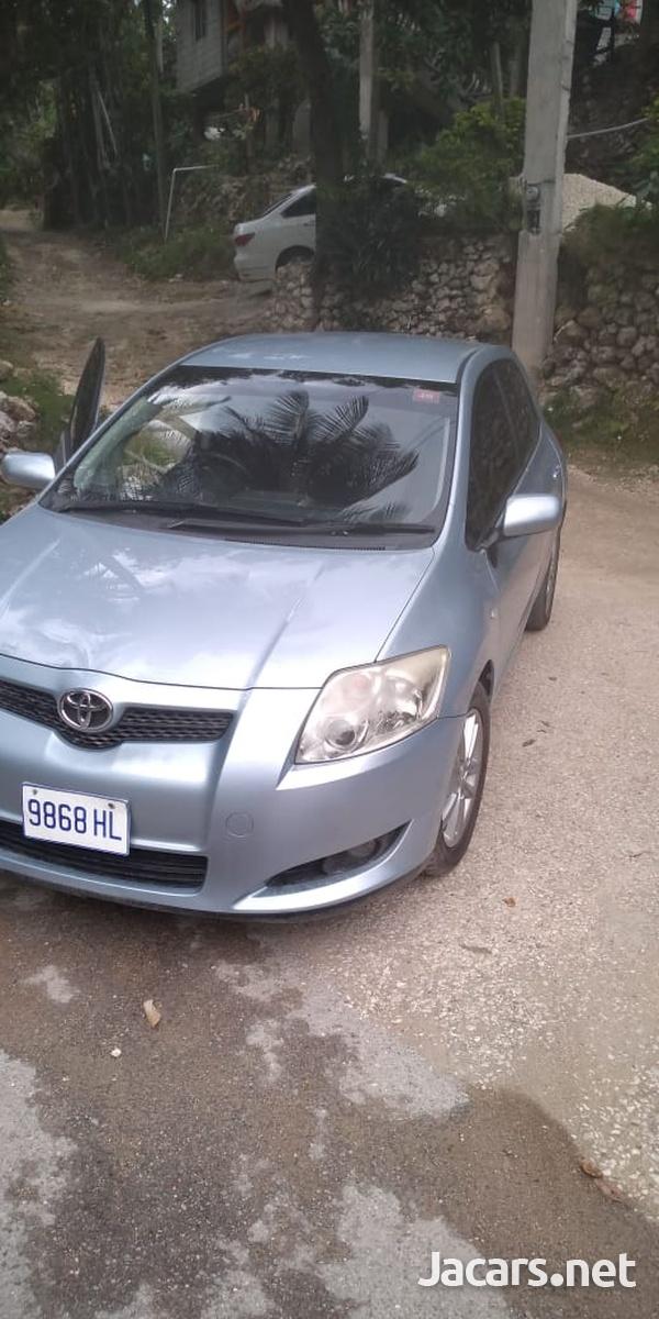 Toyota AURIS 1,5L 2009-1