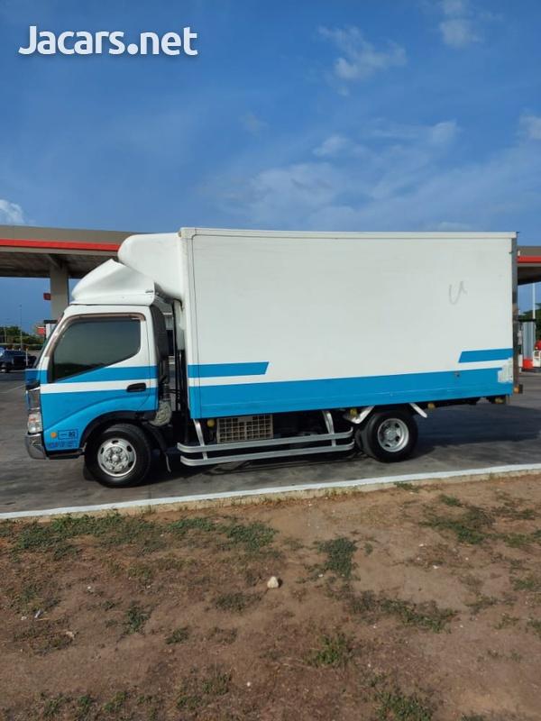 2005 Hino Truck-4