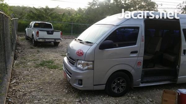 2011 Toyota Hiace Commuter Bus-6