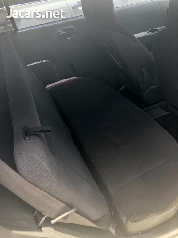 Nissan AD Wagon 1,6L 2013-10