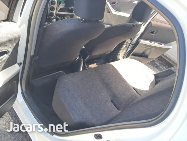 Toyota Vitz 1,3L 2010-6