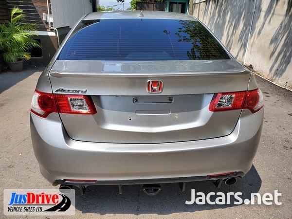Honda Accord 2,3L 2010-5