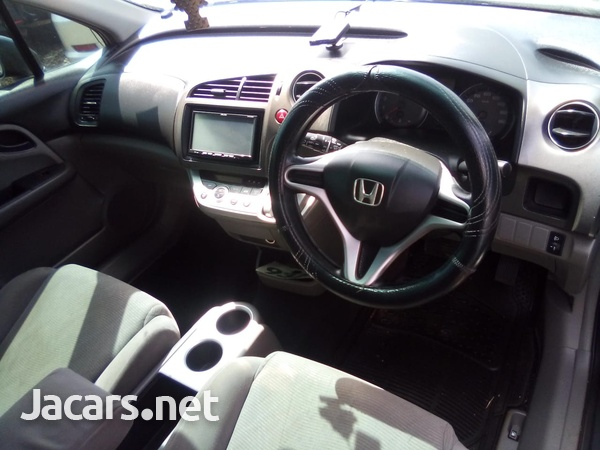 Honda Stream 1,8L 2012-6
