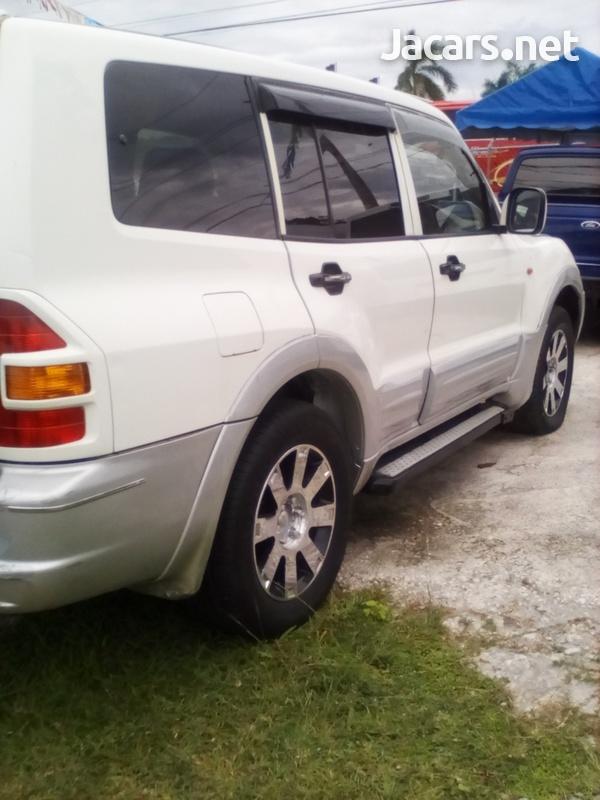 Mitsubishi Pajero 3,0L 2001-3