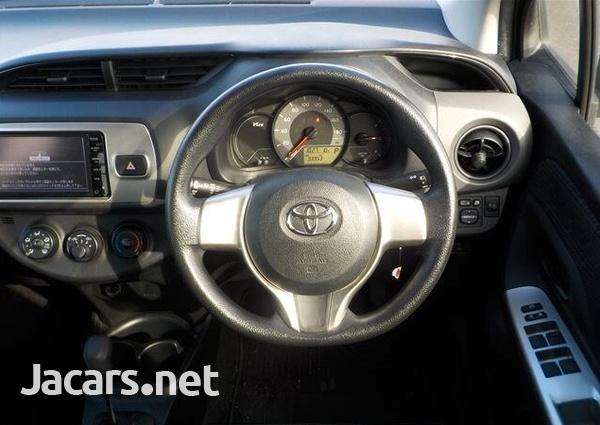 Toyota Vitz 1,0L 2015-10