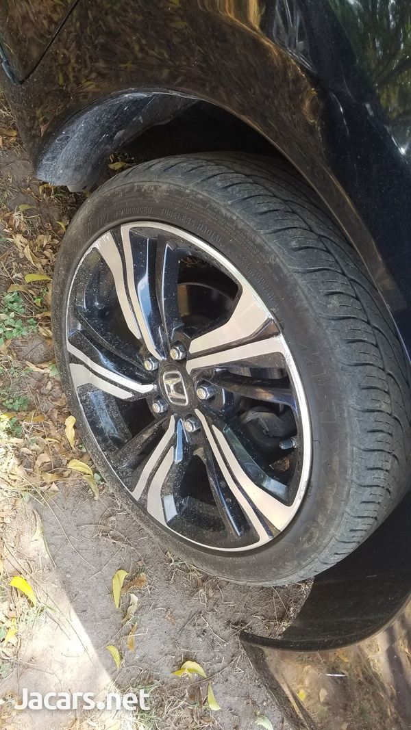 Rims and tyre-4