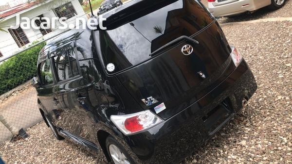 Toyota bB 1,5L 2012-3