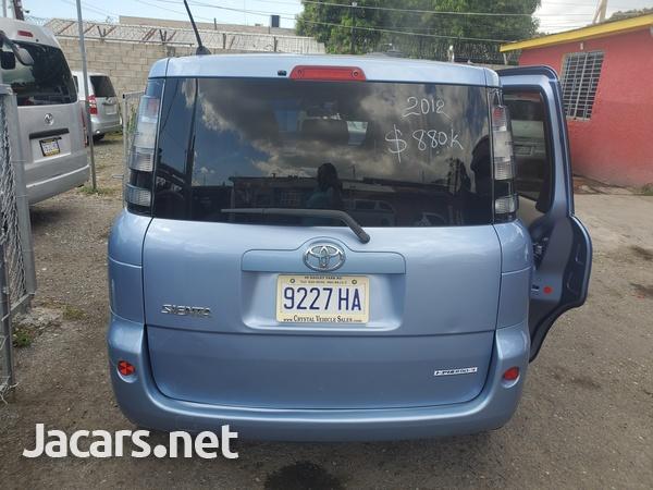 Toyota Sienta 1,6L 2012-4