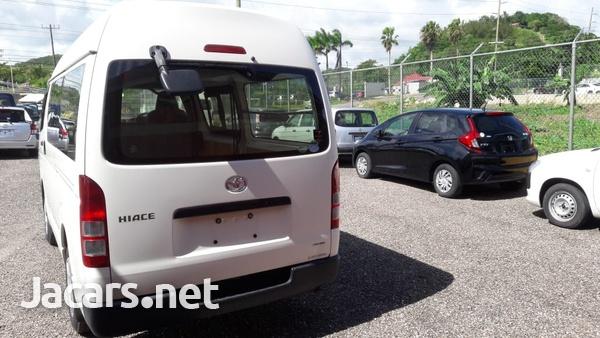 Toyota Hiace 2,7L 2015-3