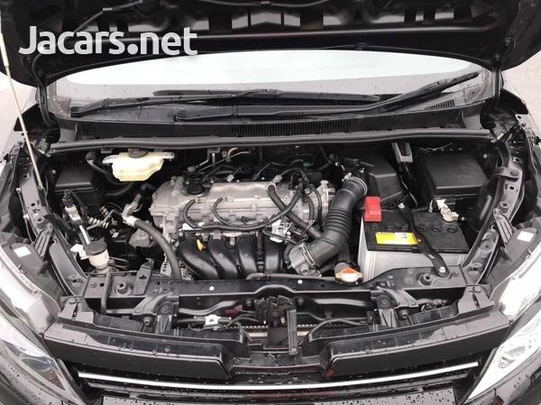 Toyota Voxy 2,0L 2017-7