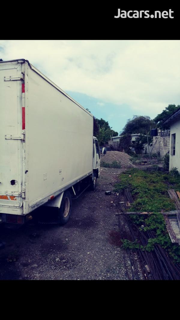 Isuzu Box Truck-2