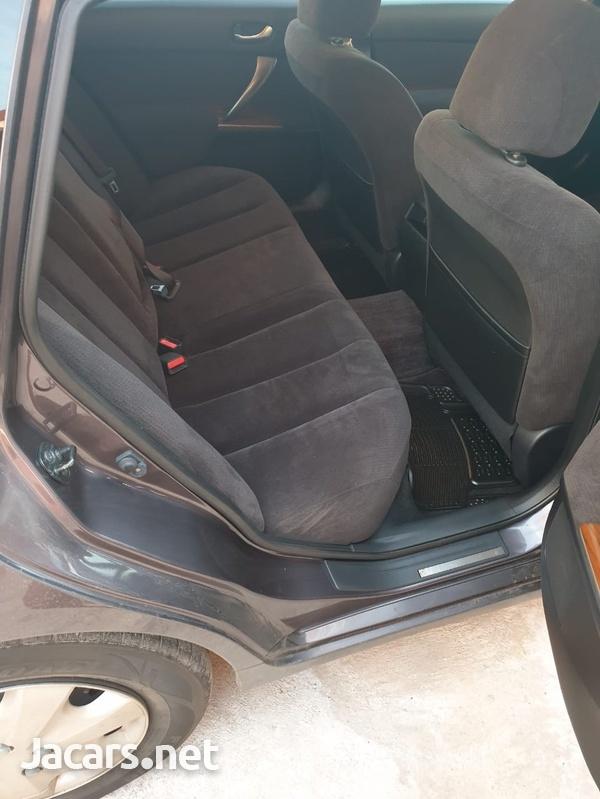 Nissan Teana 2,4L 2010-6