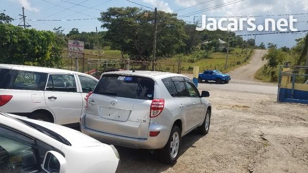 Toyota RAV4 2,4L 2014-3