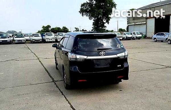Toyota Wish 2,0L 2012-4