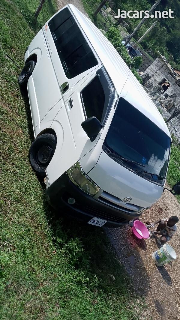 2007 Toyota Hiace Bus-3