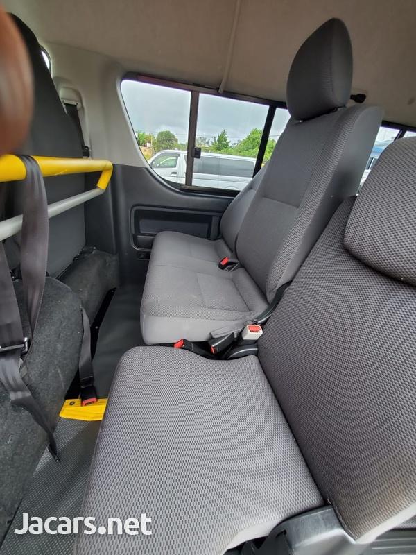 Toyota Hiace 2,0L 2013-13