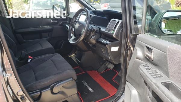 Honda Step wagon 2,0L 2012-15