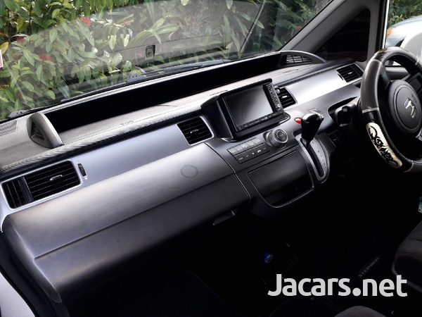 Honda Step wagon 2,0L 2009-4