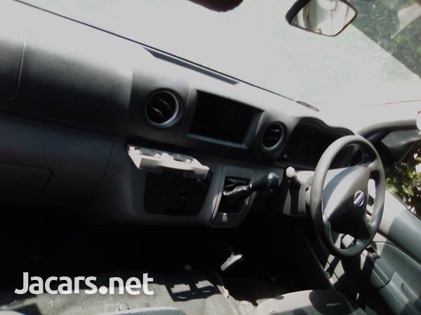 2016 Nissan Urvan-4