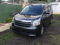 Toyota Noah 2,0L 2010