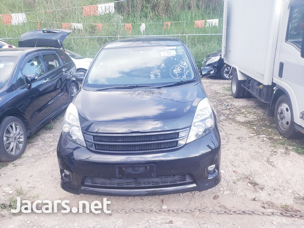 Toyota Isis 2,0L 2012-3