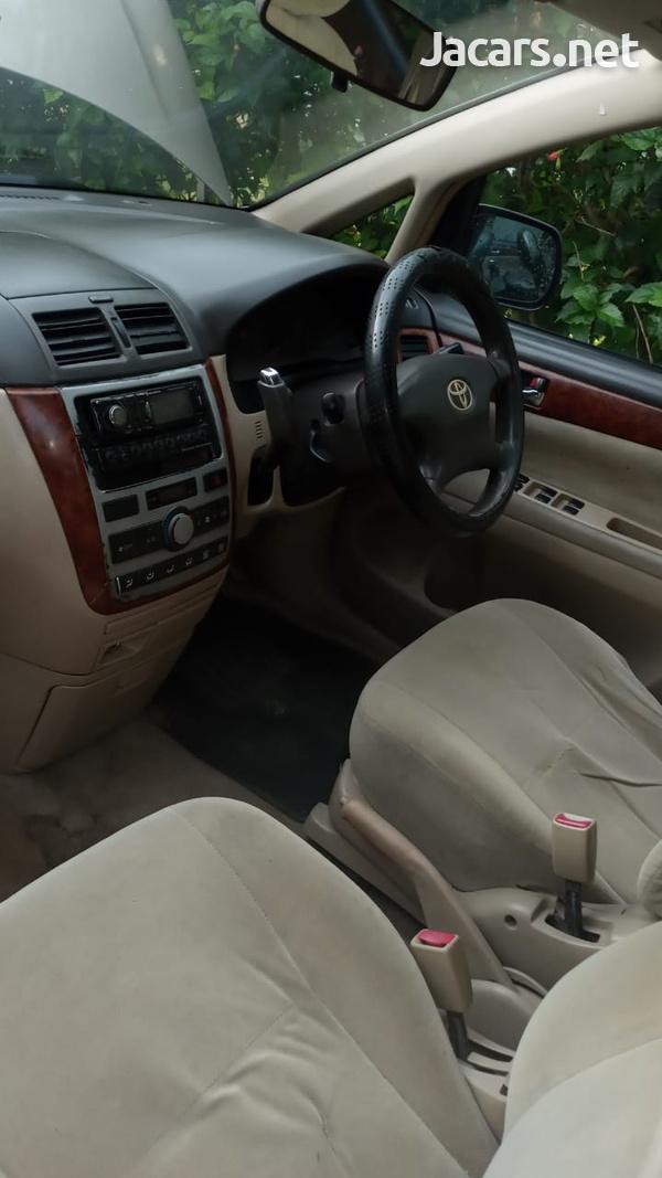 Toyota Picnic 2,6L 2002-8