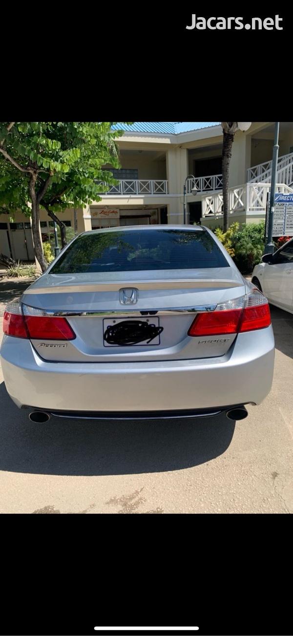 Honda Accord 2,4L 2013-5