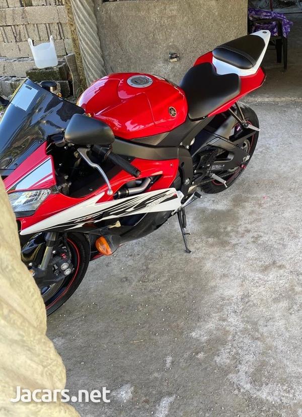 2014 Yamaha R6 Bike-5