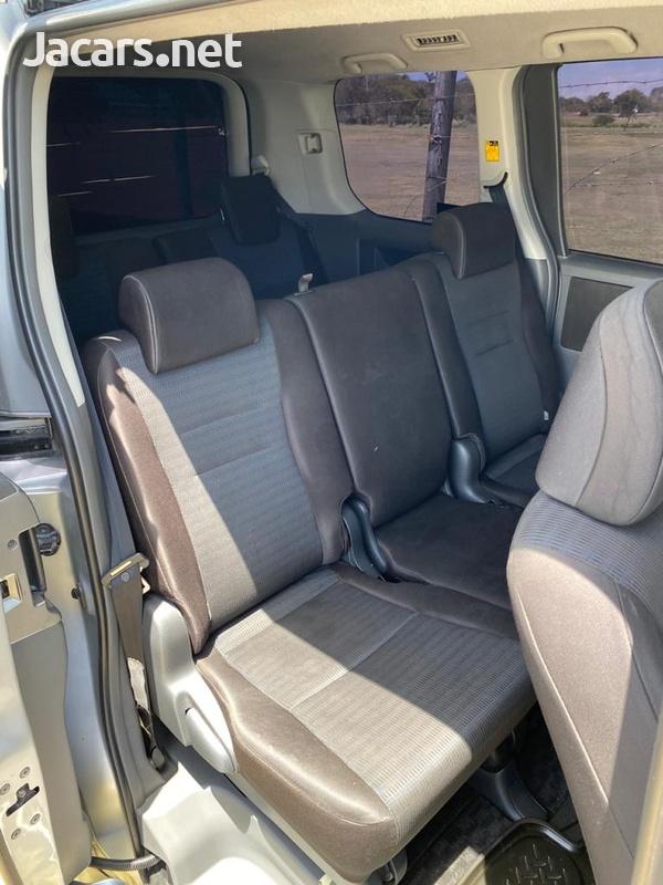 Toyota Voxy 2,0L 2008-2