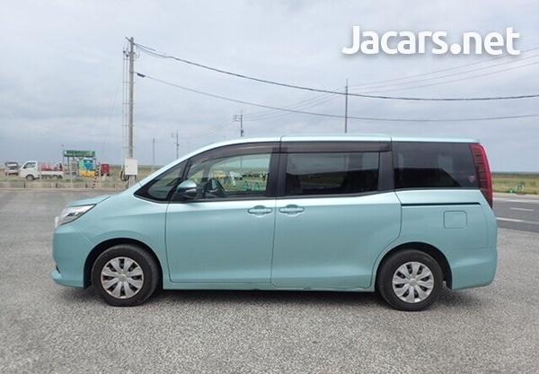 2014 Toyota Voxy-1